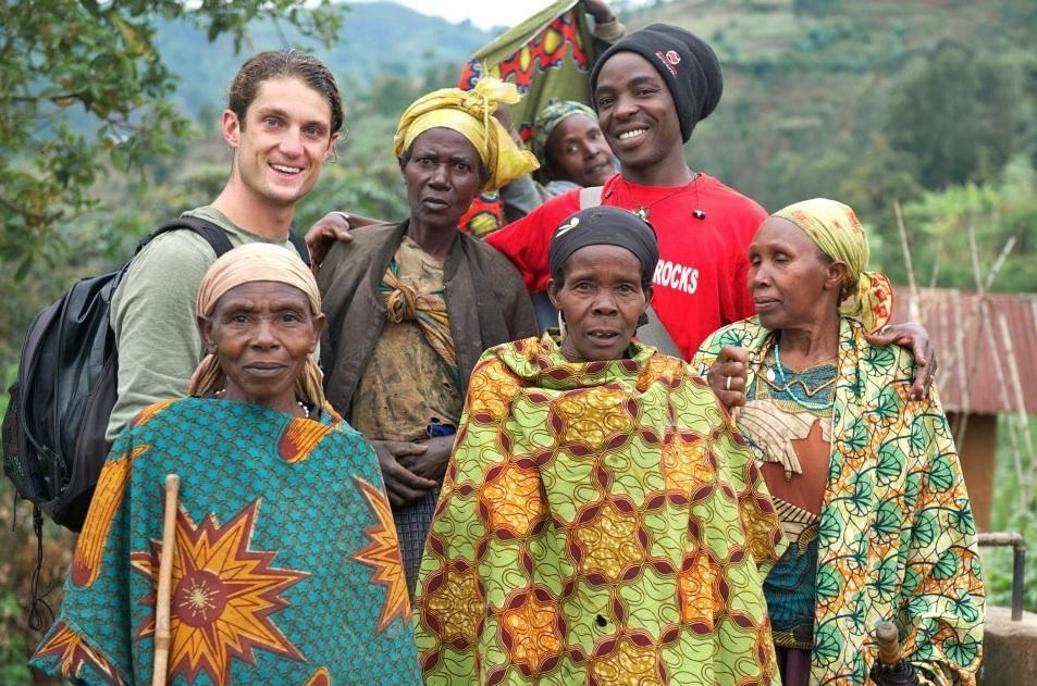 traditionele rwandese vrouwen.jpg