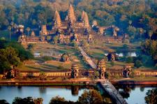kh-angkor wat cambodja van boven.jpg