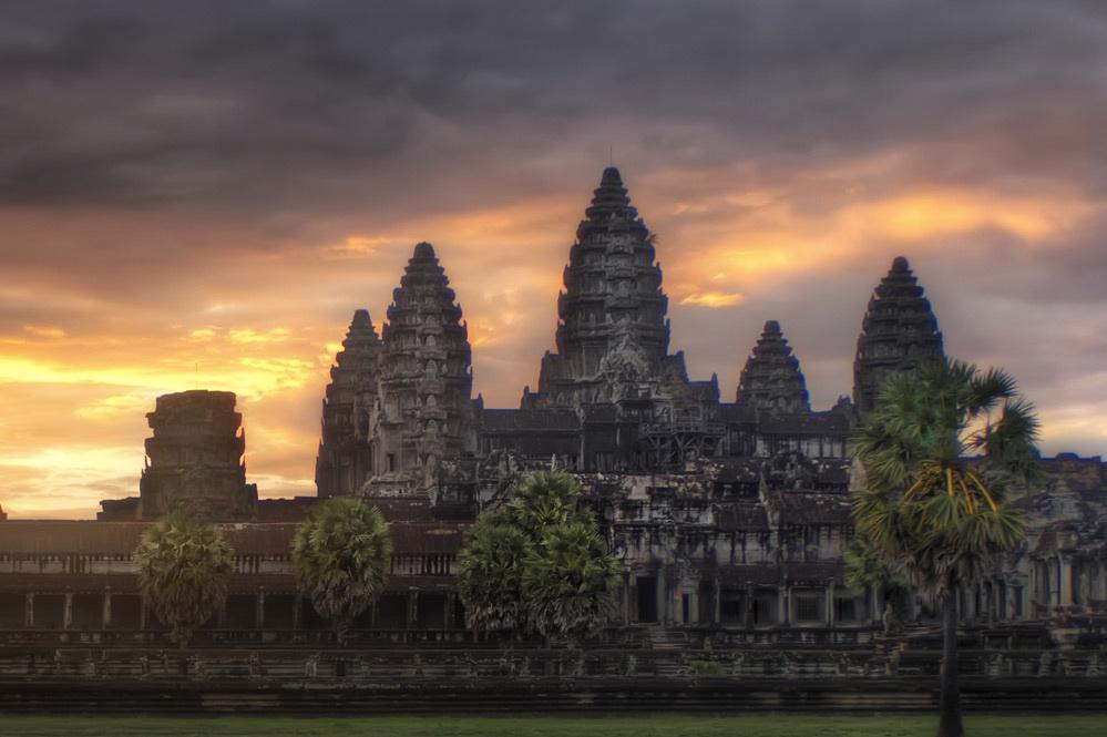 kh-angkor in cambodja.jpg